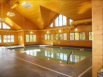 Gatlinburg Cabins Indoor Pool