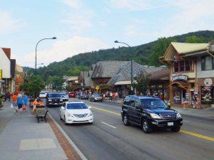 Downtown Gatlinburg Mountain Mall Webcam